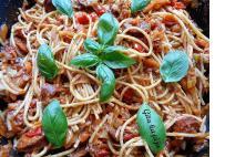 paradicsomos kolbászos spagetti